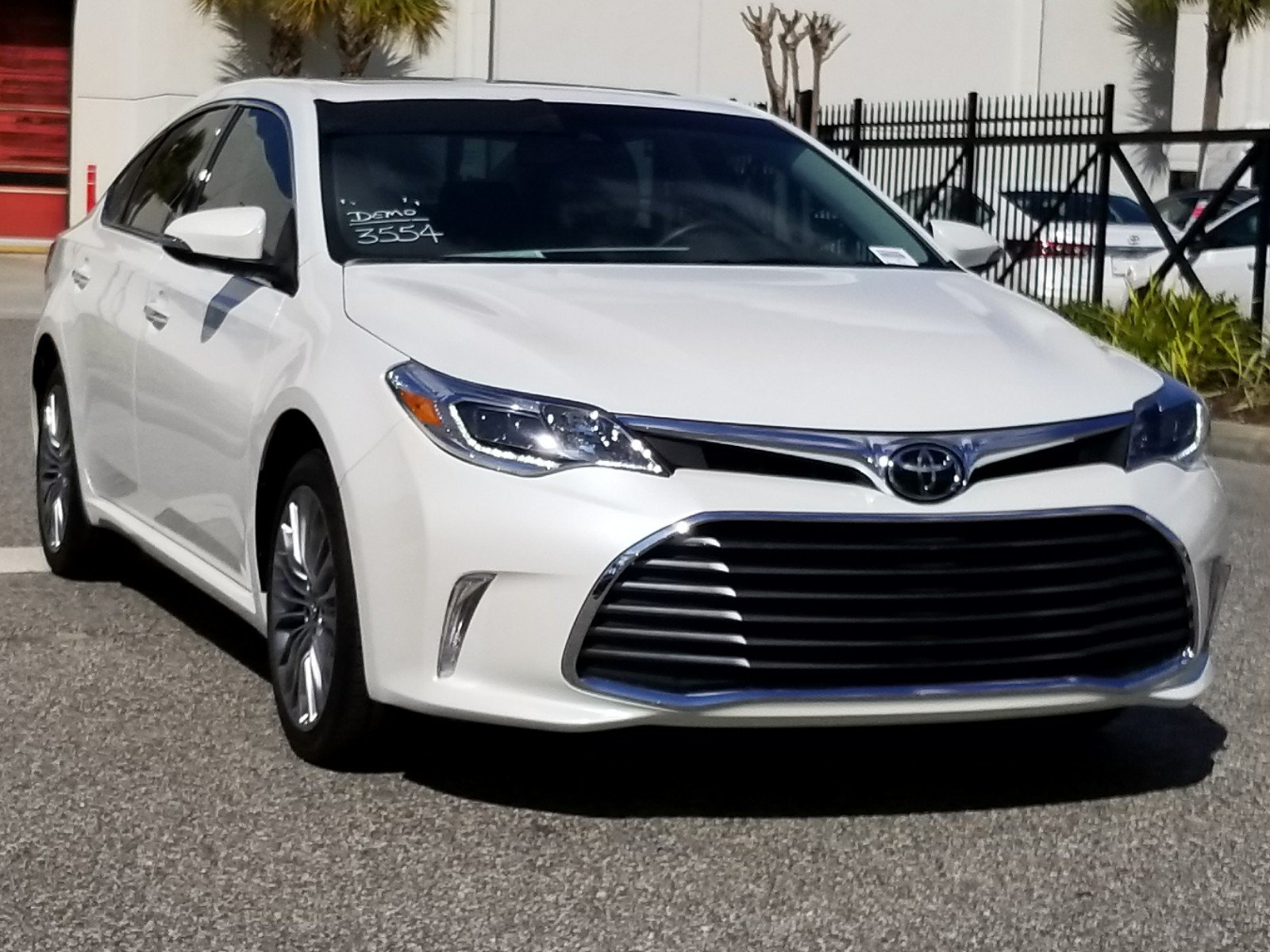 hybrid discounts rise avalon large mpg sedan news h toyota