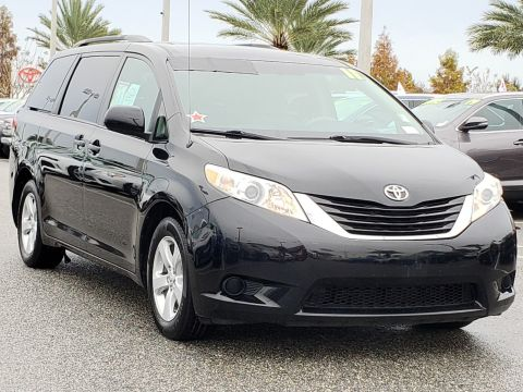 Pre-Owned 2011 Toyota Sienna LE AAS