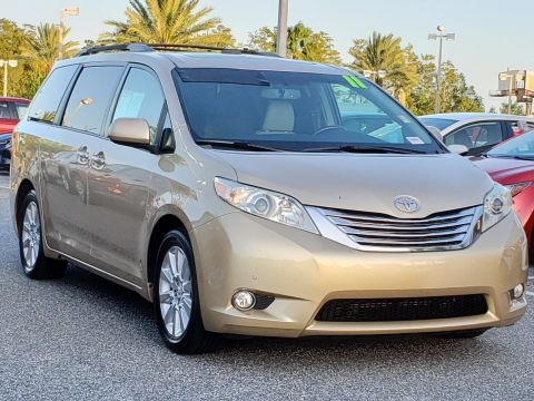 Pre-Owned 2011 Toyota Sienna Ltd